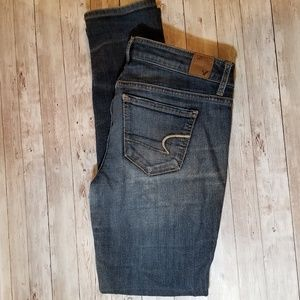 American Eagle Outfitters sz 8 Short Jeans in GUC